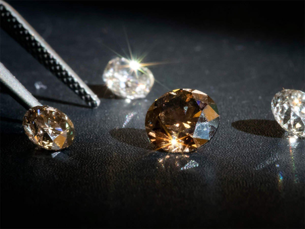 Few Points of Distinction Between Natural and Lab Diamonds