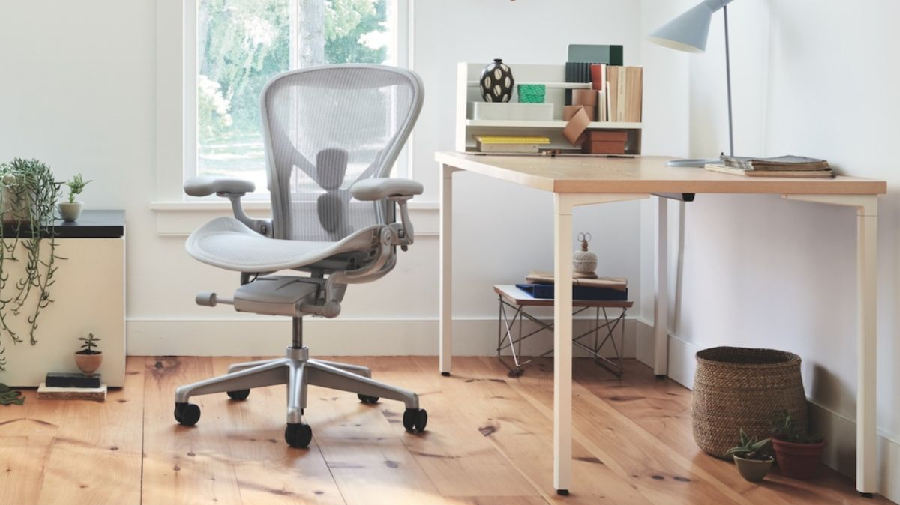 Buying Your Comfortable Office Chair Online: 10 Things to Consider